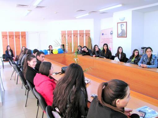 Հանդիպում Ավ. Իսահակյանի անվան թիվ 16 ավագ դպրոցի աշակերտների հետ