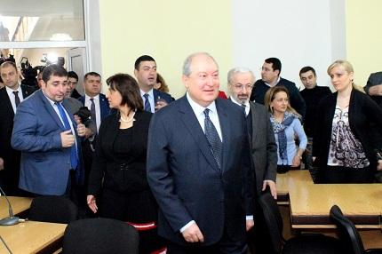 ՀՀ նախագահ Արմեն Սարգսյանը հանդիպեց ԵՊԼՀ պրոֆեսորադասախոսական կազմի հետ