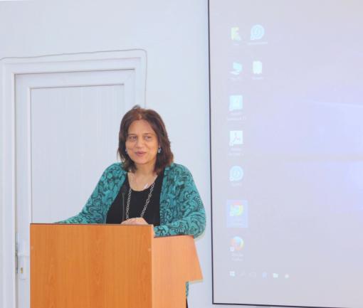 ՀՀ-ում Հնդկաստանի դեսպանը գրքեր նվիրեց ԵՊԼՀ գրադարանին